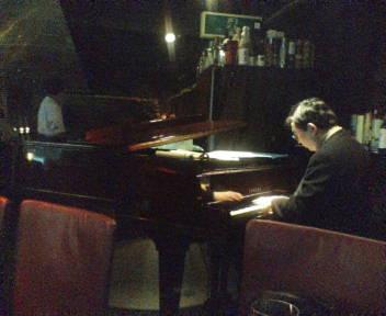 「piano bar<br />  」
